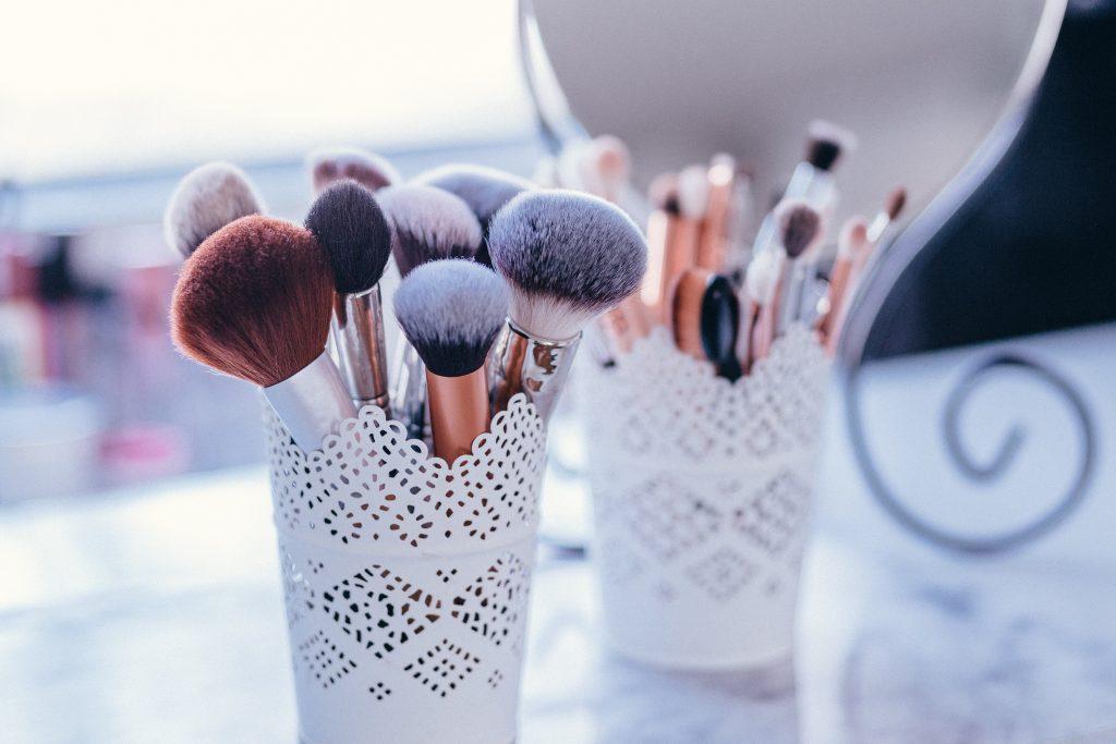 productos de maquillaje básico