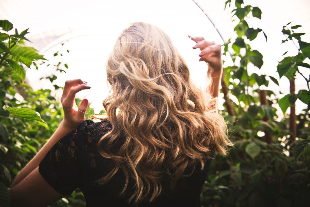 trucos y productos para reparar el cabello