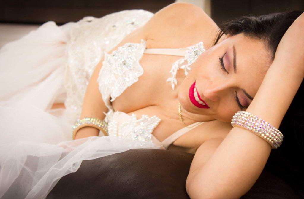 Mónica Raga, bailarina de Danza Oriental. Descubre sus tips de maquillaje y rutinas de piel