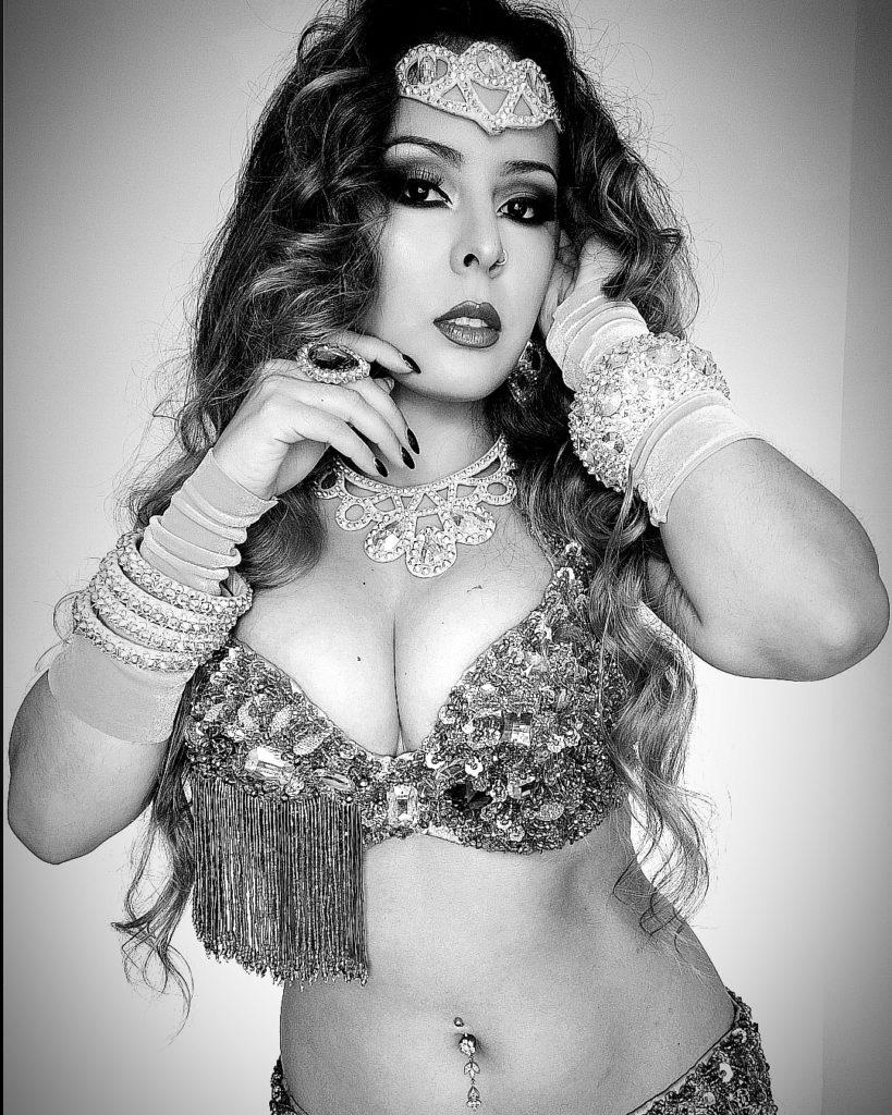 Amani Deneb Entrevista sobre danza y maquillaje árabe.